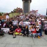 Manifestacja przeciwko torturowaniu psów i kotów w krajach azjatyckich